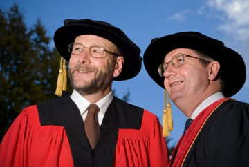 Peter Sergel and Vice-Chancellor Professor Roy Crawford